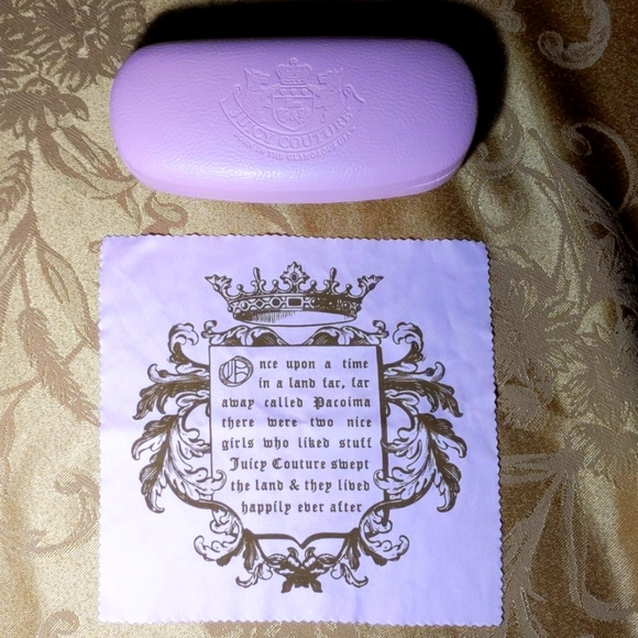 Juicy couture pink glasses case & microfiber cloth